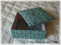 boite carton fleurie vert2