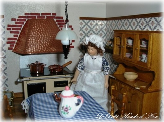 Downton House Kitchen3