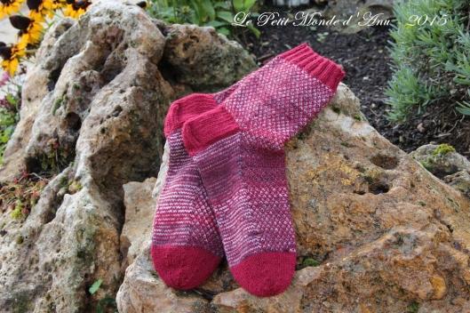 chaussettes multicolores rouges
