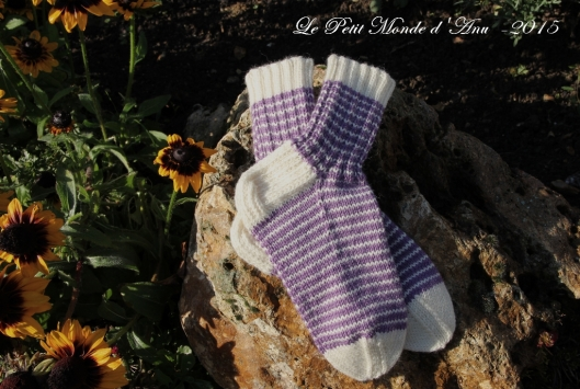 chaussettes rayees blanc_violet2